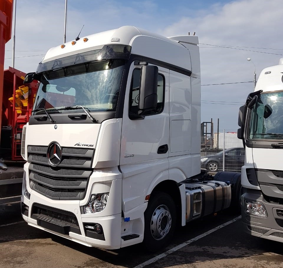 Седельный тягач New Mercedes-Benz Actros 1845 LS (4x2) White Storm